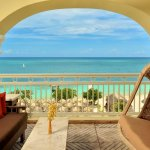 Ocean Front Room (267345615)