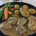 Pork medallions with mustard sauce