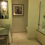 Photo de The Waldorf Hilton London