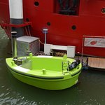 A floating jacuzzi - water heater is on main boat!