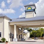 Welcome to the Days Inn And Suites Houston Channelview