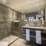 Bad Junior Suite - Sunstar Boutique Hotel Villa Caesar, Brissago, Tessin