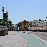 Foto de Puente de Isabel II (Puente de Triana)