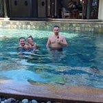 A medencéjük is tiszta, kiszolgálás első osztályú