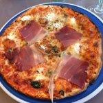 PIZZA CAPRI AVEC BASE TOMATE