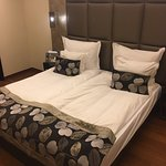 Wonderful Queen size bed, not 2 singles shoved together!