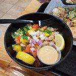 Yeero Bowl with veggies and lemons