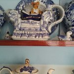 Super collection of blue willow pattern