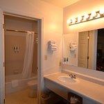 great bathroom lighting