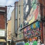 Photo de Kensington Market and Spadina Avenue