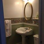 Roseview Room bathroom