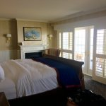 Photo de Madison Beach Hotel, Curio Collection by Hilton
