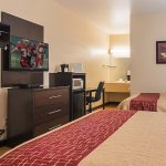Photo of Red Roof Inn & Suites - Lake Orion/Auburn Hills