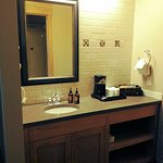 sink/vanity in room 1336