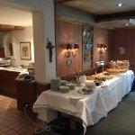 """Exzellent: höchster Komfort mitten """"auf dem Land"""". 4 Fotos zeigen das Frühstücksbüffet - das dür"""