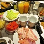 Breakfast to the room