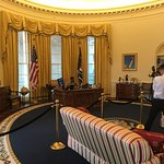 oval office with photographer
