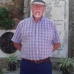 I found the plaque behind me very interesting in 1941 Crete was invaded by the Nazis the locals