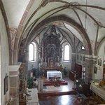 veduta della chiesa e dell'altare maggiore