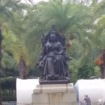 The queen Victoria statue.
