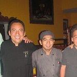 Victor León (mesero), Alfredo Luna (Chef) y Soledad Olivares (Hostess) en Don Quijote