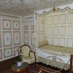 une des nombreuses chambres à coucher .