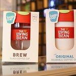Pueden adquirir nuestros vasos Keep Cup que son reutilizabais, menos basura! y 10% de descuento.