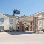 Welcome to the Cobblestone Hotel and Suites of Paxton, Illinois