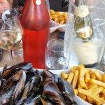 Moules marinieres et frites avec mayonnaise