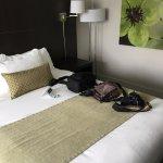 V Hotel and Suites Foto