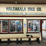 Front of the Haleakala Bike Company.