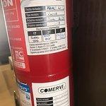 Extintores caducados en el hotel, suciedad, goteras, colas desde la primera planta del buffet ha
