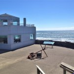 Viewing deck at the Whale Watching Center - Depot Bay, Oregon