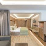 Photo of Hotel Alpina Deluxe