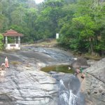 Photo de Telaga Tujuh Waterfalls
