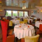 salle du restaurant les Voyageurs en Perigord vert spécialités foie gras autruche et truffe