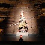 Maria in der Höhle; in der Krypta