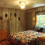 1BR cabin's bedroom
