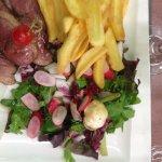 Magret frites salade