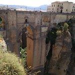 Photo de Puente Nuevo Bridge