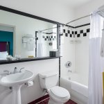 Guest bathroom in all rooms