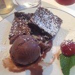 Chocolate Brownie Dessert