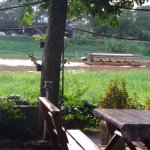Restaurant aan de rivier de ping