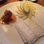 Honeycomb with goats cheese and Fuji apple