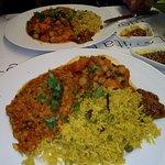 Riso al curry, lenticchie e ceci con verdure