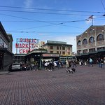 The entrance to the market on 1st Av. and Pike Place.