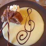 Le dessert Tres sympa et le plat chaud...hummm