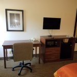 ภาพถ่ายของ Days Inn & Suites Kansas City South
