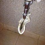 cloth under sink