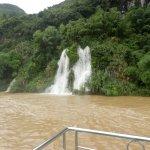 cascate d'acqua dovute alle forti pioggie